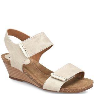 Sofft Verdi Light Gray Leather Wedge Sandals SZ8.5